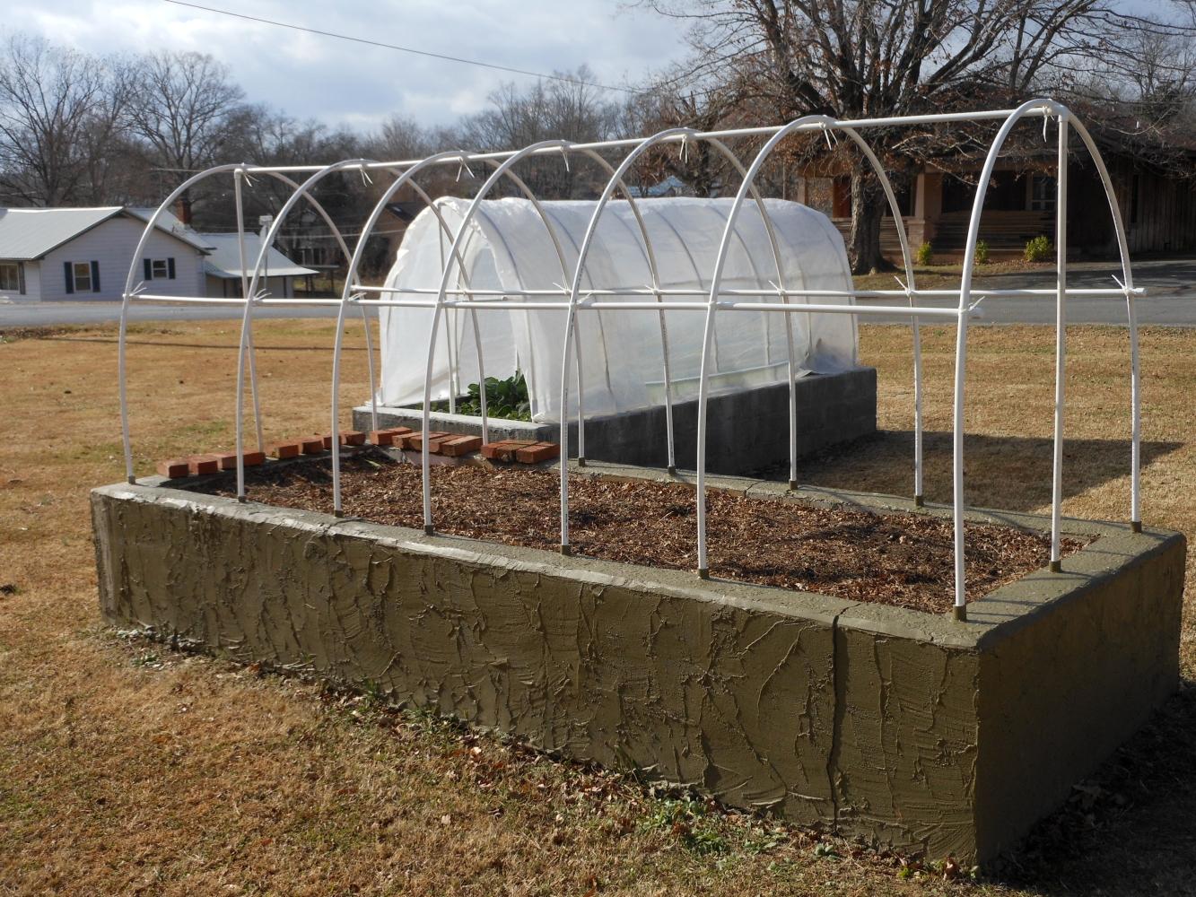 12-01-2014 New Hoop Frame in Original Garden 01
