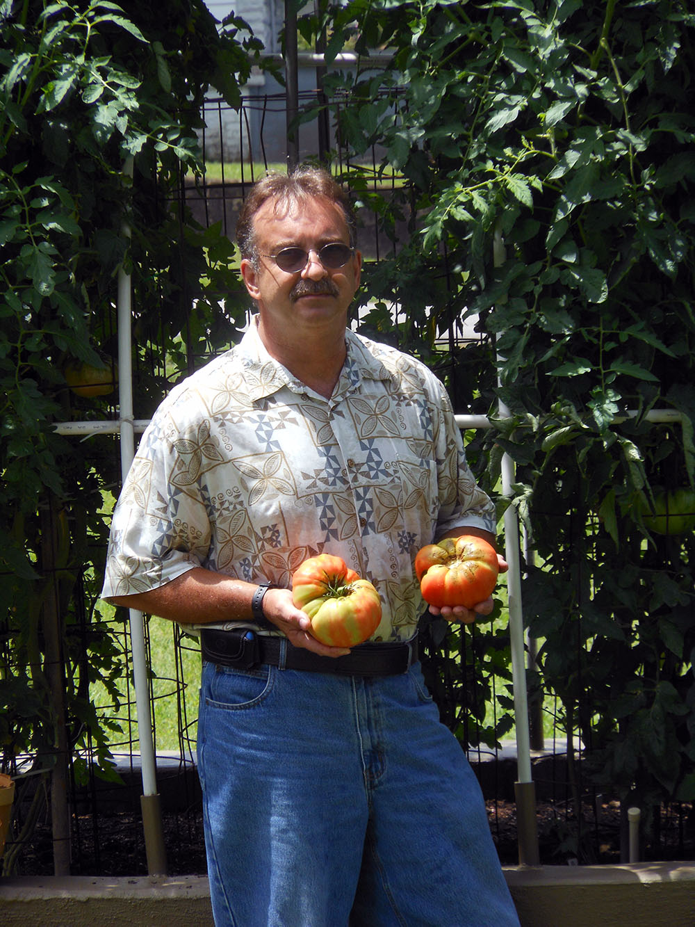 07-10-2015 Me and HUGE Tomatoes 02